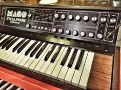 Yesterday I had the opportunity to play this extremely rare italian synthesizer from the '70. It has a killer 24db moog filter that just makes me lust for one... . . . #audiomokette #synth #synthesizer #vintage #rare #filter #steelphon #mago #producer #mu