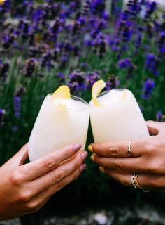 You had me at Boozy. Boozy Lemon Frosties - The Londoner Party Drinks, Cocktail Drinks, Fun Drinks, Bourbon Cocktails, Tea Party, Non Alcoholic, Alcoholic Beverages, Summer Drinks, Summer Parties