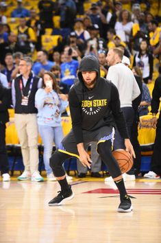 Stephen Curry of the Golden State Warriors handles the ball before game against the Cleveland Cavaliers before Game Two of the 2018 NBA Finals on. Stephen Curry Basketball, Mvp Basketball, Basketball Motivation, Stephen Curry Family, Nba Stephen Curry, Golden State Warriors Wallpaper, Stephen Curry Wallpaper, Wardell Stephen Curry, Curry Nba