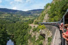 Ardeche - TRAIN DES GORGES - Train de l' Ardèche dans les gorges du Doux. Train des gorges, Mastrou, Train du marché. Réservation de billets en ligne. SITE OFFICIEL