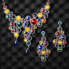 Marina Shamshura's photos | VK Diy Christmas Earrings, Christmas Diy, Jewelry Making, Brooch, Beads, Create, Inspiration, Beaded Necklaces, Photos
