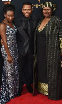 Anthony Anderson Took His Mom and Daughter to the Emmys, and it Was Freakin' Adorable