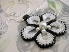 Necklaces (medium) – Flower Power Pendant (Made To Order) – a unique product by MadeByKatarina on DaWanda