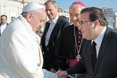 El Gobernador agradeció la invitación que la Santa Sede hizo a Veracruz para estar presente en estas fiestas navideñas y le reiteró el cariño y la admiración que la comunidad católica veracruzana le tiene.