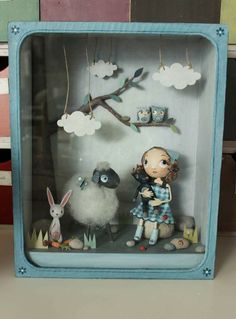 Love this shadow box Shadow Box Kunst, Shadow Box Art, Paper Mache Clay, Clay Art, Altered Tins, Diy And Crafts, Arts And Crafts, Paper Crafts, Shadow Box
