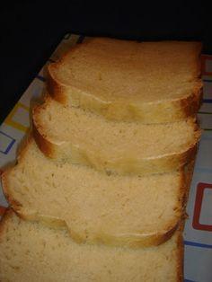 "Pan ""bimbo"" (Recipe in Spanish) Food N, Sin Gluten, Cornbread, Bread Recipes, Banana Bread, Bakery, Yummy Food, Homemade, Snacks"