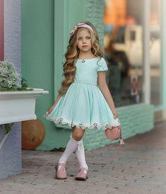 Flower Girl Dresses Boho, Cute Girl Dresses, Girls Party Dress, Lovely Dresses, Little Girl Dresses, Cute Little Girls Outfits, Mommy And Me Outfits, Kids Outfits Girls, Toddler Girl Outfits