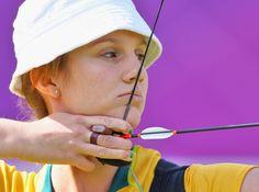 Elisa Barnard shooting spin wings