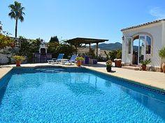 Villa Los Cerezos en alquiler - Anuncio en Homelidays n° 8367738. Villa Harlequin es una casa que sólo está disponible para un par de meses, mientras que el propietario regresa al Reino Unido para el verano. Esta tra...