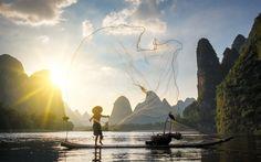 Download wallpapers fishing, morning, sea, fisherman, network, Guangxi, mountains, China