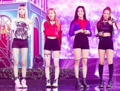 Blackpink Lisa Rose Jisoo and Jennie Kim Jennie, Blackpink Fashion, Korean Fashion, Fashion Ideas, Stage Outfits, Casual Outfits, Band Outfits, Square Two, Blackpink Debut