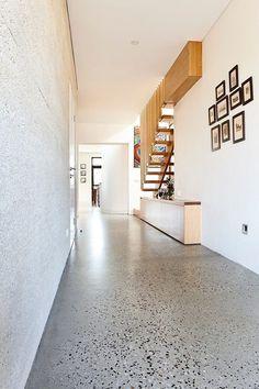 Terrazzo design is trending as one of the hottest interior design you'll be seeing everywhere. From terrazzo floor tiles, tables and lampshades to printed wallpaper, it's out there. Terrazo Flooring, Vct Flooring, Polished Concrete Flooring, Concrete Floors In House, Concrete Lamp, Stained Concrete, Concrete Countertops, Escalier Design, Flur Design