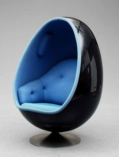 I want one of these Egg Chairs!