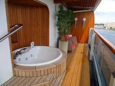 Pinnacle Suite Eurodam balcony pic 2