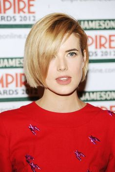 Another way to grow out a pixie cut: from the top, like Agyness Deyn's bob