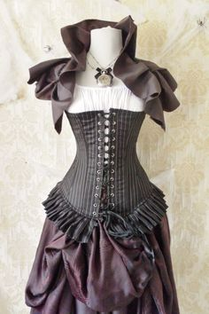 New for Halloween-Privateer pirate steel boned corset To fit a natural 30-32 inch waist This outfit is ready to ship immediately. It will be