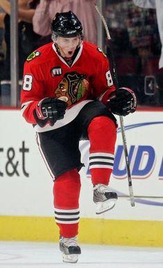patrick kane- plays for chicago, but a buffalo hometown hero! Blackhawks Hockey, Hockey Teams, Hockey Players, Ice Hockey, Hockey Stuff, Chicago Blackhawks Wallpaper, Nhl, Mario Lemieux, Sports Baby