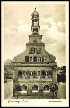 Postcard Braunsberg in Prussia, views of the Town Hall of gable