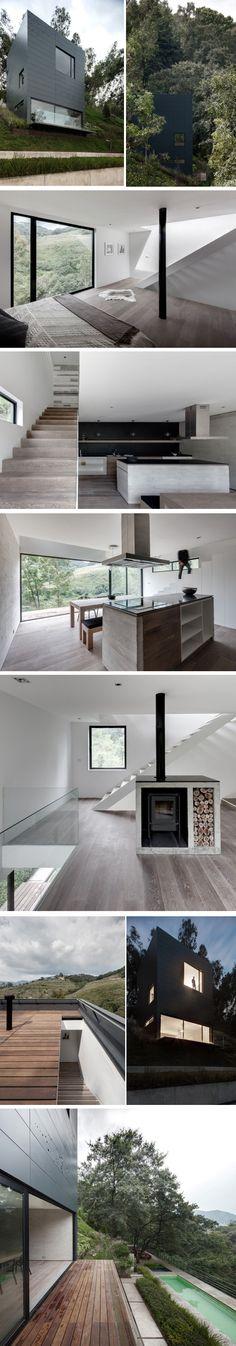 Située sur une pente raide et sur une parcelle de 1 500 m2 avec une magnifique vue