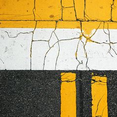 Yellow Things 3 yellow lines on road Photography Lessons, Urban Photography, Street Photography, Franco Fontana, Road Texture, Road Markings, Minimal Photo, Mood Images, Abstract Images