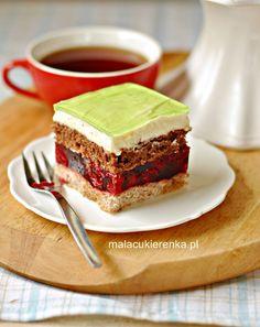 Ciasto WIŚNIOWIEC z kremem cytrynowym i galaretką Sweet Recipes, Cake Recipes, Polish Recipes, Polish Food, Something Sweet, Yummy Cakes, Baked Goods, Sweet Tooth, Cheesecake