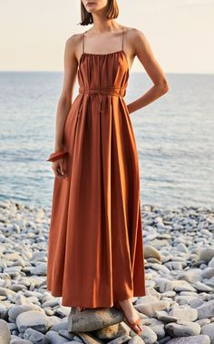 Get inspired and discover Three Graces London trunkshow! Shop the latest Three Graces London collection at Moda Operandi. London Outfit, London Stil, Dress Skirt, Dress Up, Quoi Porter, Casual Dresses, Summer Dresses, Evening Dresses, Haute Couture Fashion