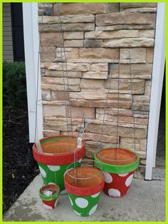 tomato cage tree polka dot pots - use lights and pots in color for each holiday