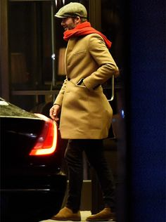 Stylish David Beckham enjoys a night out in London #davidbeckham #saintlaurent #coat #london #mayfair