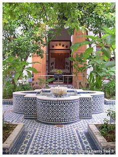 Riad Lune et Soleil - Fez Riads - That tiled fountain feeling in a courtyard. Rooftop Dining, Outdoor Dining, Outdoor Decor, Moroccan Design, Moroccan Decor, Moroccan Room, Moroccan Tiles, Moroccan Garden, Persian Garden
