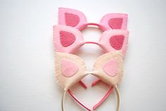DIY Pig Ears for a Peppa Pig Birthday Party-- make ears more rounded to look like Peppa's ears (like half Twinkie shape) Pig Birthday, Third Birthday, 4th Birthday Parties, Birthday Ideas, Fiestas Peppa Pig, Cumple Peppa Pig, Peppa E George, George Pig, Pig Ears