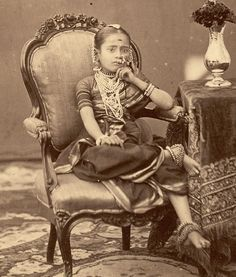 Princess Niloufer of Hyderabad - Niloufer Farhat Begum Sahiba (January 1916 – June was one of the last princesses of the Ottoman Empire Vintage Pictures, Old Pictures, Old Photos, Vintage India, Portraits Victoriens, Indiana, Royal Indian, History Of India, Indian People