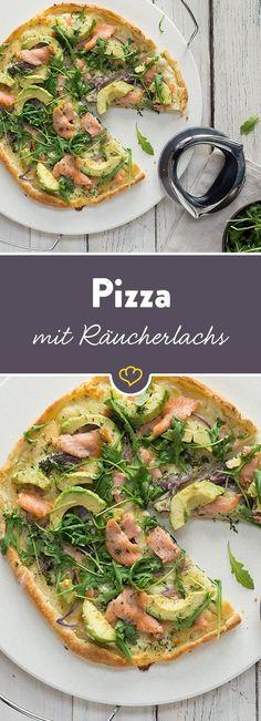 Margherita ist dir zu langweilig? Probier doch mal unsere leichte, knusprige Pizzakreation mit Rucola, Avocado und leckerem Räucherlachs.