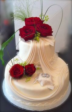 Picture result for fancy wedding cakes - Torten & Motivtorten - Gateau Fancy Wedding Cakes, Unusual Wedding Cakes, Wedding Cake Cookies, Beautiful Wedding Cakes, Wedding Cake Designs, Fancy Cakes, Beautiful Cakes, Cake Wedding, Fruit Wedding