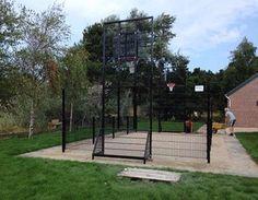 Pannakooi Terschelling ook gereed. Hier uitgevoerd met basketbalvoorziening. Geluids- en vandalisme-arm. Dubbel gepoedercoat, zodat de pannakooi bestand is tegen de zoute lucht.