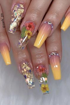 In look for some nail designs and some ideas for your nails? Here is our set of must-try coffin acrylic nails for fashionable women. Classy Nails, Fancy Nails, Stylish Nails, Neon Nail Designs, Cute Acrylic Nail Designs, Bad Nails, Neon Nails, Summer Acrylic Nails, Best Acrylic Nails