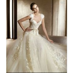 Google Afbeeldingen resultaat voor http://images.madeinchina.com/AC5871D814BAC0CDE040007F010062F5/620/8639620_2/Wedding-Dresses-2013-Fashion-Bridal-Dress-Wedding_8639620_2.jpg