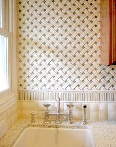 Encore Ceramics Crescendo Basketweave Mosaic Tile With Ripple Border And 2x2 Cobblestone Field