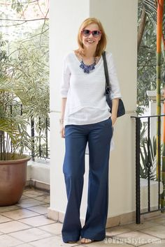 How to wear navy this summer | 40plusstyle.com