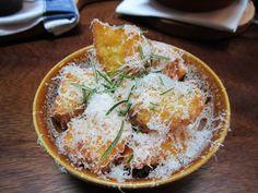 Crispy polenta chips w rosemary, salt & parmesan Crispy Polenta, Jamie's Italian, Cocktail Drinks, Parmesan, Camembert Cheese, Salt, Chips, Friends, Food
