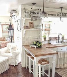 38 Comfy Farmhouse Kitchen Decor Ideas is part of diy-home-decor - Farmhouse kitchen style will be perfect idea if you want to have family gathering in your kitchen during meal time […] Farmhouse Style Kitchen, Shabby Chic Kitchen, Kitchen Redo, Rustic Kitchen, Kitchen Remodel, Farmhouse Decor, Farmhouse Ideas, Farmhouse Kitchens, Rustic Cottage
