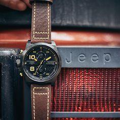25d1908ea5b Jeep Wrangler Mens Relógios Pulseira de Couro de Quartzo Esportes Ao Ar  Livre Multifuncional Série Militar Homens Relógios JPW67602 -