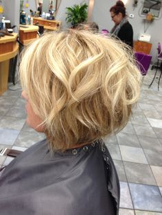 Textured bob... Blonde natural color... Movement ... Inverted bob... Love this look... Messy but sexy look.
