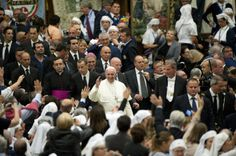 """Rise in Italian church attendance pegged to the """"Francis Effect"""""""