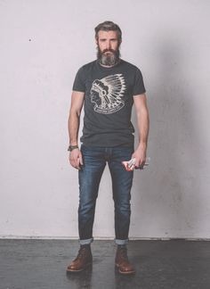 • BASED ON A TRUE STORY • THE SS14 COLLECTION Pant. Cod. IBANEZ M0070.516.B1 / SKINNY FIT STRETCH www.uniformjeans.it/