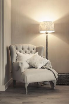 Living room country ideas bedrooms 60 Ideas for 2019 Bedroom Chair, Bedroom Decor, Poltrona Bergere, Home Living Room, Living Room Decor, Trendy Bedroom, Bedroom Simple, Master Bedroom, My New Room