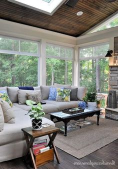 3 Seasons Room Relaxing Living Room Design Ideas For Outdoor Teens and Credit Cards Back Porch Designs, Sunroom Decorating, Sunroom Ideas, Decorating Ideas, Porch Ideas, Decor Ideas, Rustic Sunroom, Small Sunroom, Patio Ideas