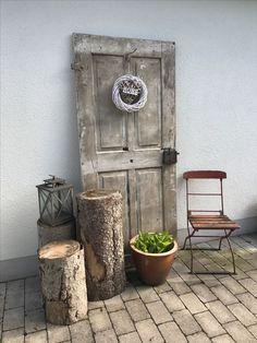 Old door - # old # door - Alte Tür - Gardener Vintage Garden Decor, Vintage Gardening, Diy Garden Decor, Garden Art, Organic Gardening, Porch Garden, Garden Doors, Garden Chairs, Old Door Decor