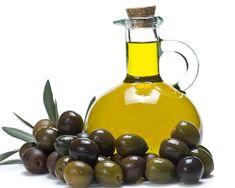 El aceite de oliva promueve las formación de nuevas células nerviosas ya que ayuda a la formación de paredes celulares en el cerebro. El acido oleico juega un papel importante en el desarrollo cerebral del feto por ello las mujeres embarazadas y lactantes deben incorporarlo.