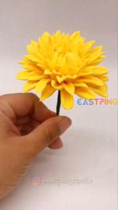 Fondant Flower Tutorial, Fondant Flowers, Sugar Flowers, Paper Flowers, Fondant Figures Tutorial, Fondant Rose, Polymer Clay Flowers, Polymer Clay Crafts, Diy Clay
