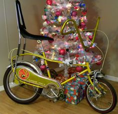 In this day of everybody being safe,you will NEVER see bikes made like this again. Vintage Bicycles, Cool Bikes, Childhood Memories, Motorcycle, Muscle, Vehicles, Chopper, Deco, Google